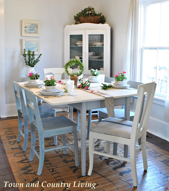 Garden Party Dining Table