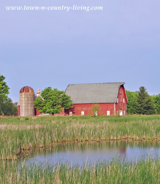 Big Red Barn in Kane County