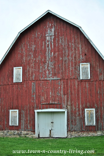Big Red Barn at Leroy Oakes