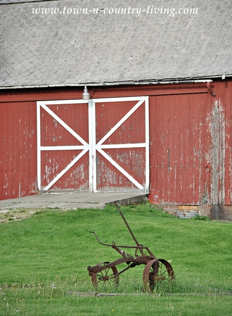 Midwestern Rustic Red Barn