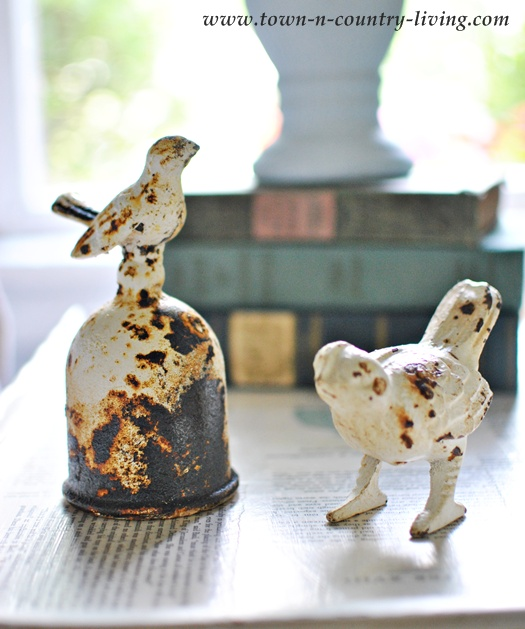 Cast iron rusty birds - Town and Country Living blog