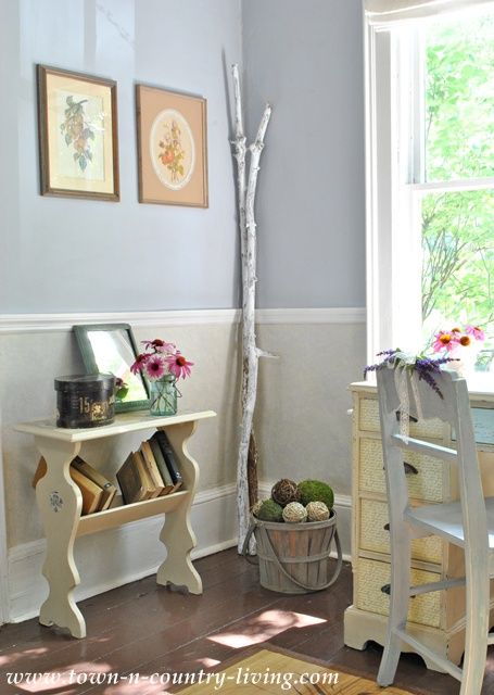 Cottage Style Decorating In The Entry Way Town Amp Country