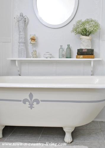 Painting my claw foot tub - Town and Country Living blog