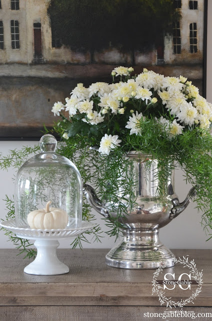 Decorating with Mums via StoneGable BlogDecorating with Mums via StoneGable Blog