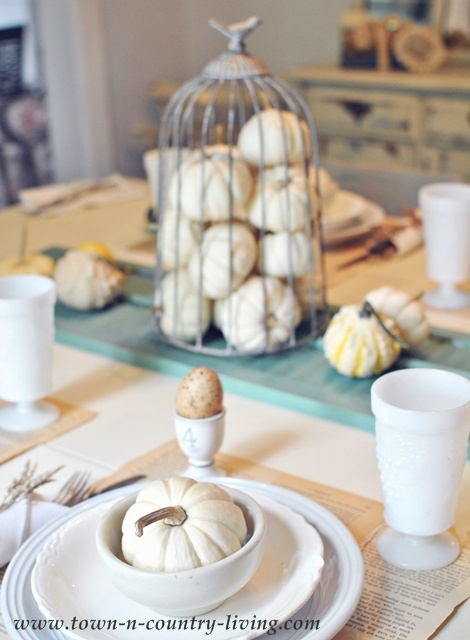Autumn decorating in a farmhouse dining room