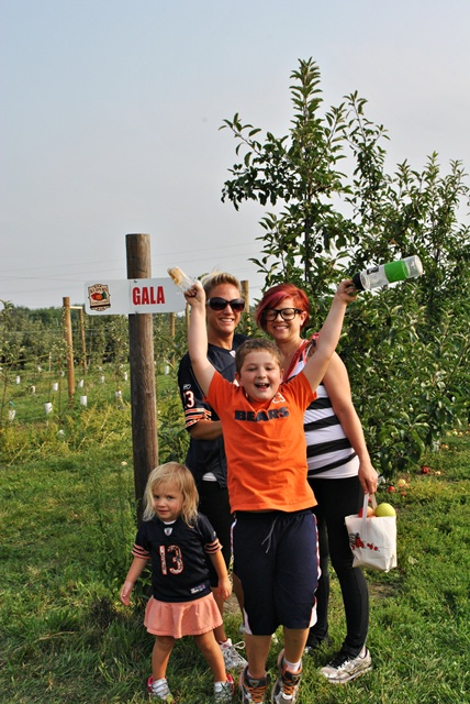 Apple picking in Illinois via Town and Country Living