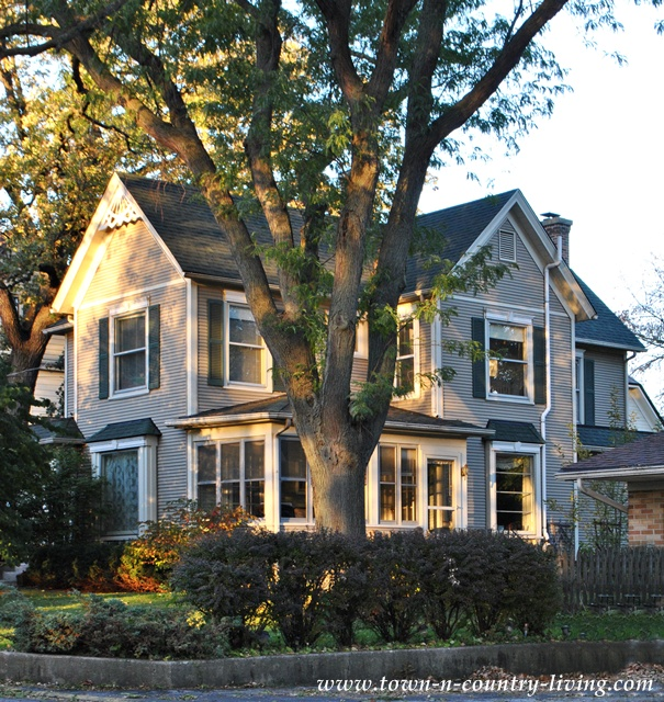 Cute Houses via Town and Country Living