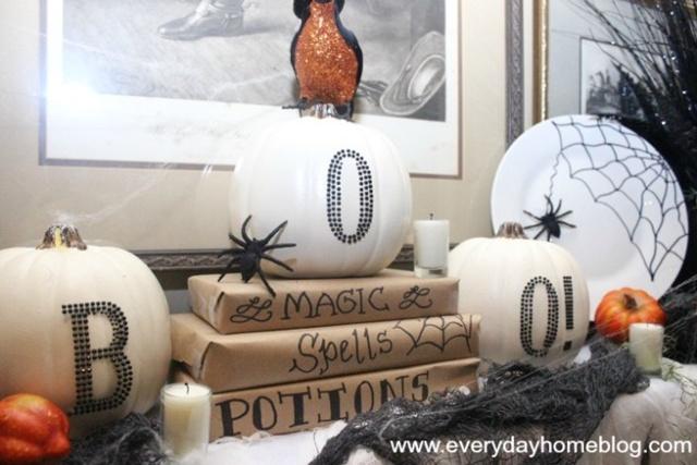 Everyday Home Blog - Halloween Mantel