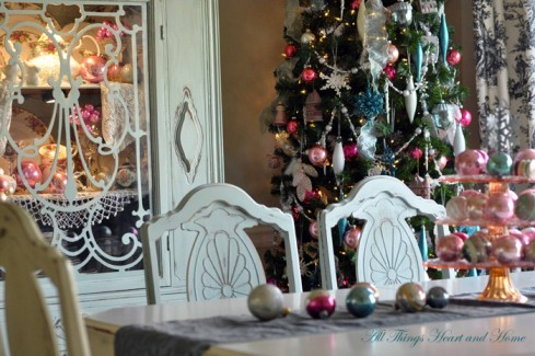 Christmas Dining at All Things Heart and Home
