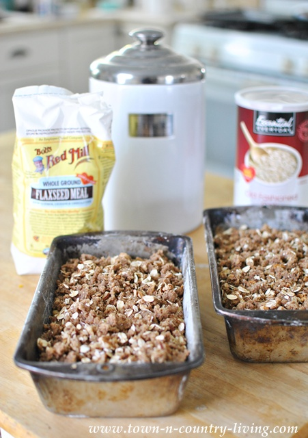 Oatmeal streusel topped pumpkin bread via Town and Country Living