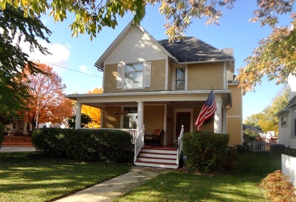 Charming older home in Dixon, Illinois