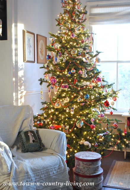 Farmhouse Christmas Tree via Town and Country Living