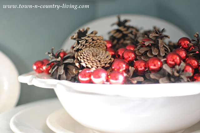 Christmas pine cone display from Town and Country Living