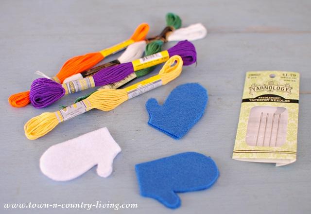 How to make mini felt mittens