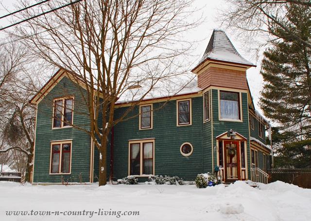 Victorian Farmhouse in Woodstock, IL