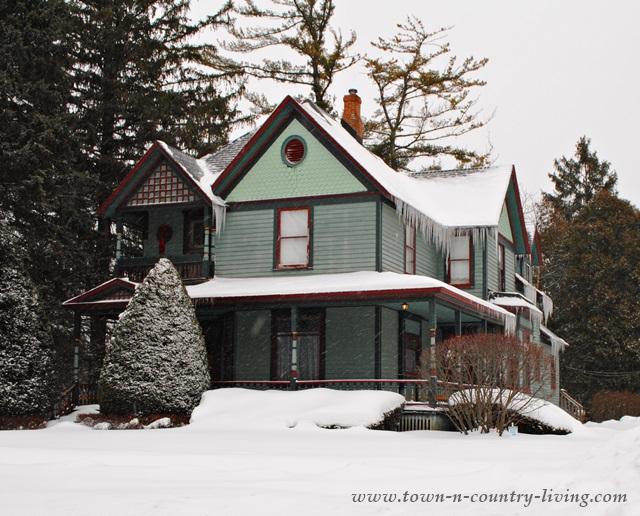 Blue farmhouse in historic Woodstock, IL