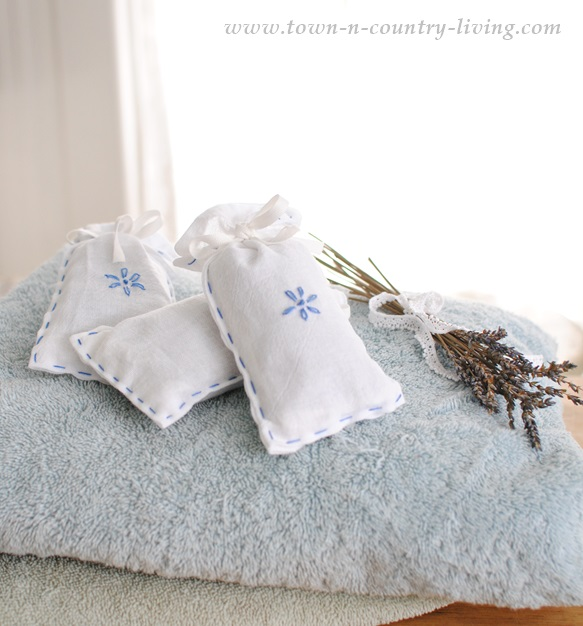 DIY Lavender Dryer Sachets by Town and Country Liviing