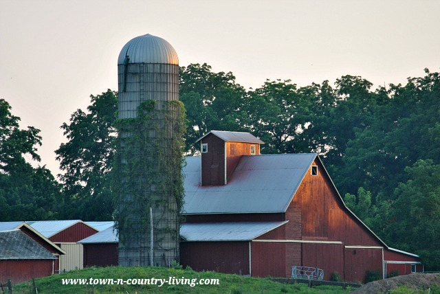 Big Red Barn in the Illinois Countryside