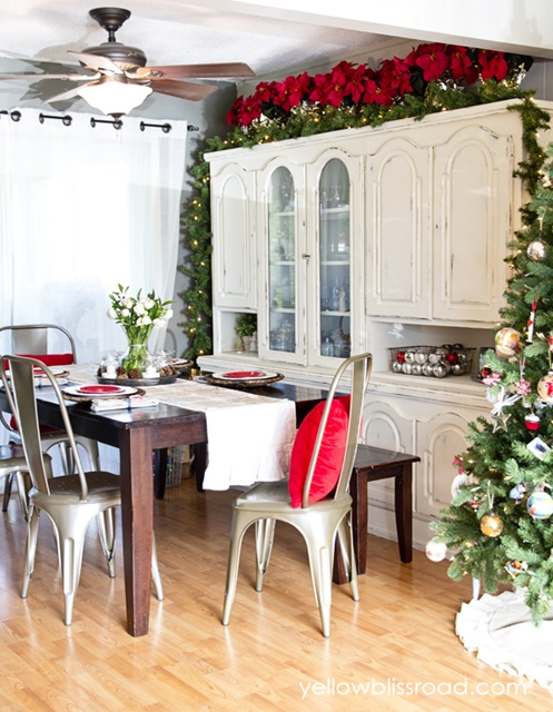 Christmas-Dining-Room at Yellow Bliss Road