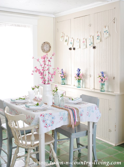 Farmhouse breakfast nook with touches of spring decor