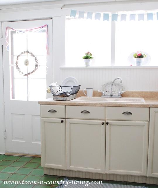 Farmhouse Kitchen Decor
