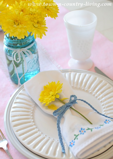 Stenciled napkins with sunny mums