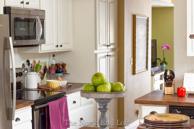 Charming-Cottage-Bungalow-Kitchen