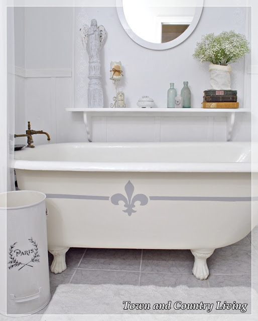 French Claw Foot Tub