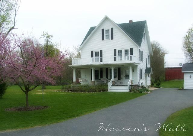 Heavens-Walk-Farm-House