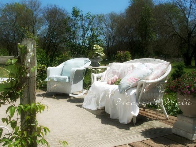 Romantic-Outdoor-Patio