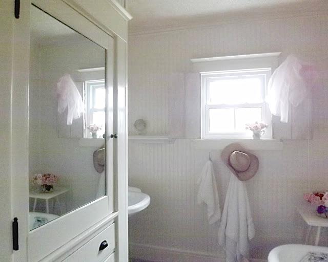 Shabby Chic Farm House Bathroom