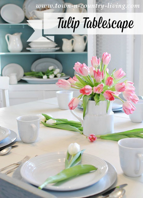 Tulip Table Setting for the Spring Season