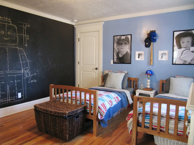 Charming elegant cottage the wicker house town for Boys country bedroom ideas