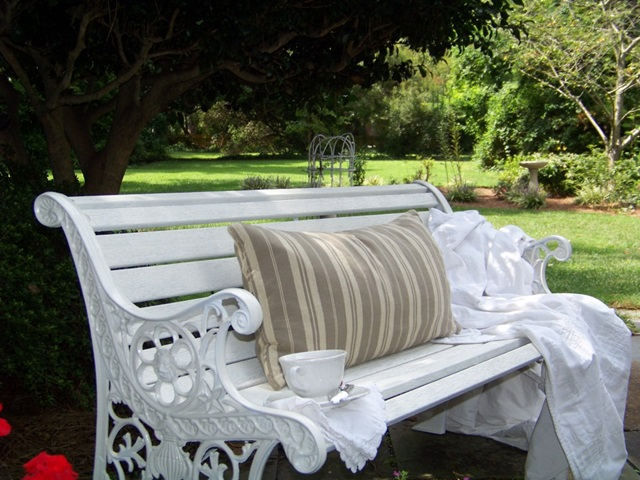 White Cottage Garden Bench