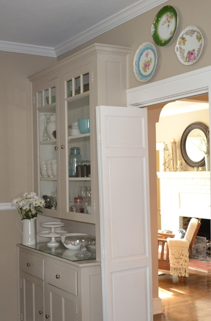 Cottage Built-in Hutch