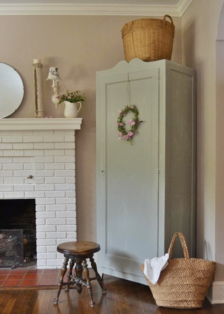 Shabby Chic Summer Decorating at Cottage Fix
