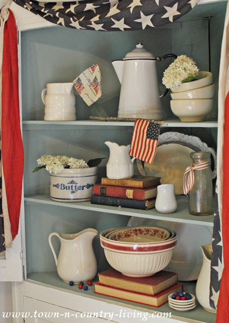 Decorating the Dining Hutch for 4th of July