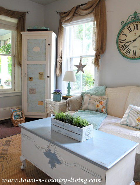 Summer Decorating in the Family Room