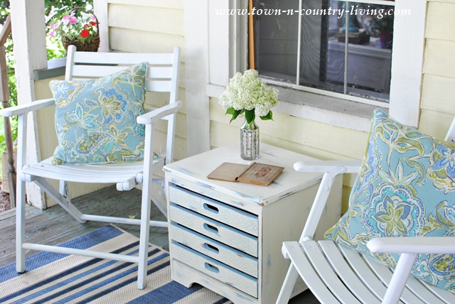 Trash to Treasure Game Table Painted in Annie Sloan Chalk Paint