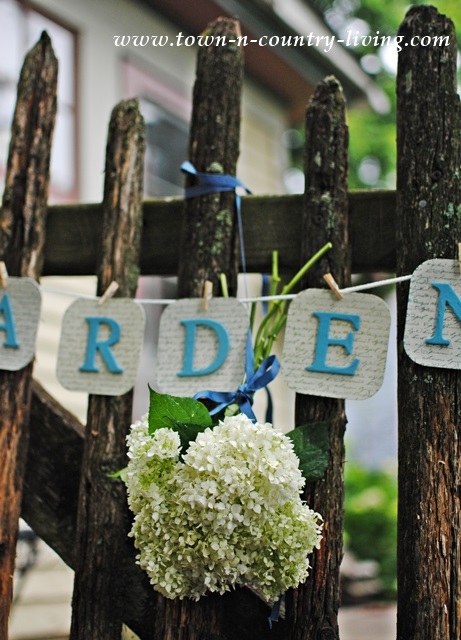 DIY Garden Banner made from chipboard squares