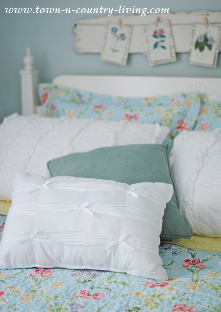 Laura Ashley Quilt with Shabby Chic Pillows
