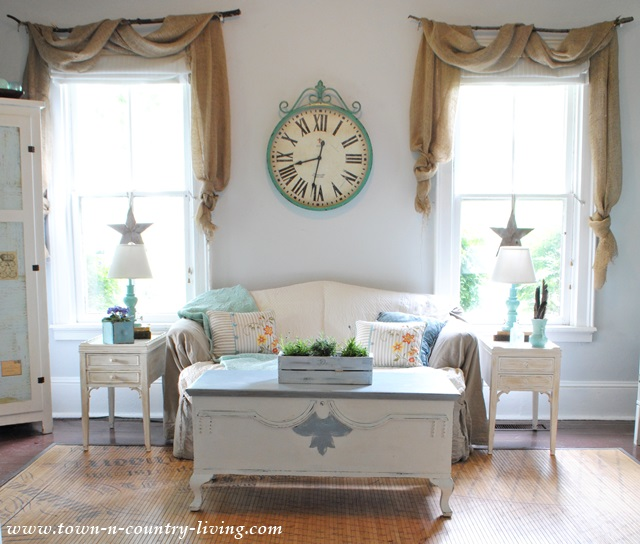 Casual Farmhouse Family Room