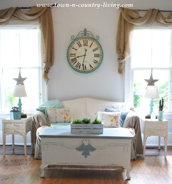 Country Family Room: Summer Decorating In The Family Room