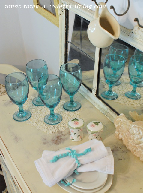 Aqua Glasses for Summer Dining