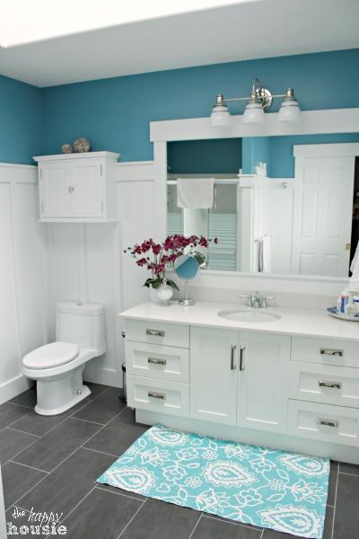 Master Bathroom in Aqua and White