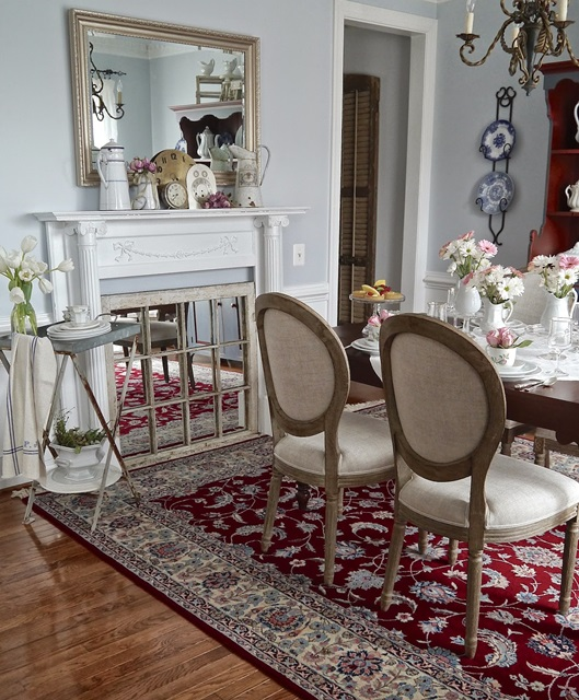 Elegant Dining Room at Chateau Chic