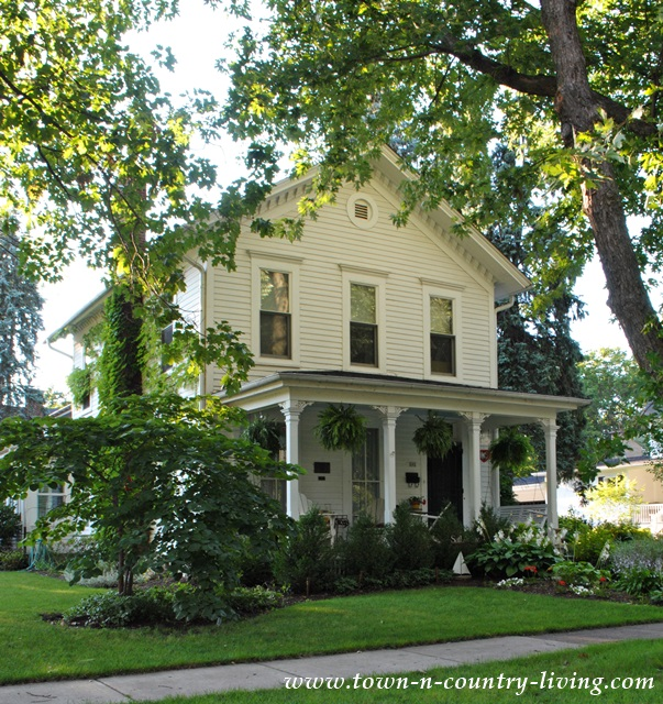 15 historic homes in geneva illinois town country living. Black Bedroom Furniture Sets. Home Design Ideas