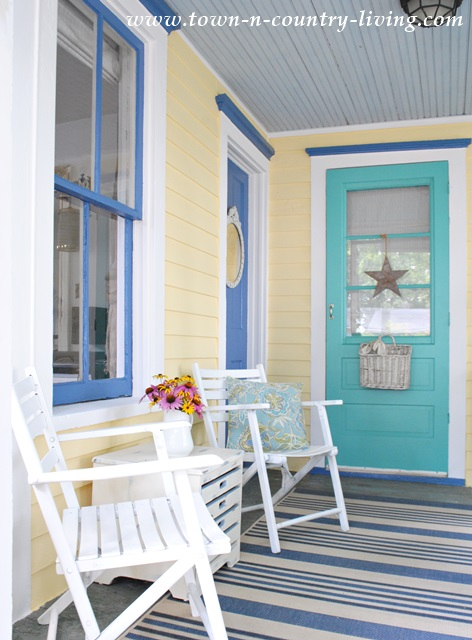 New Exterior Paint Colors on Farmhouse Cottage
