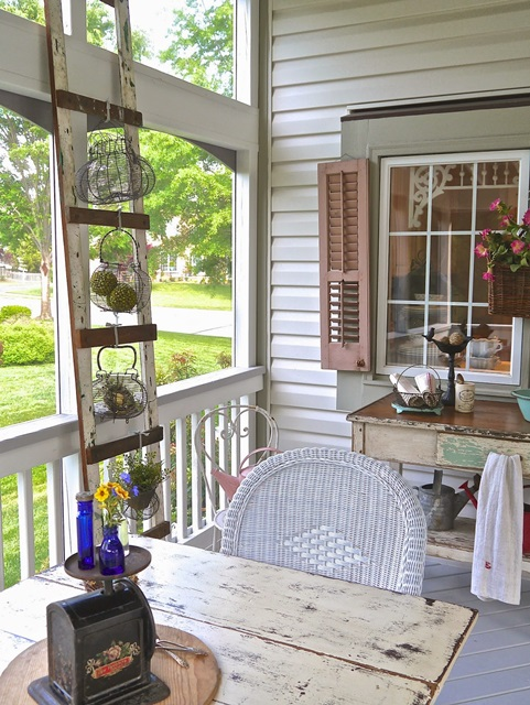 Shabby Chic Style Screened Porch