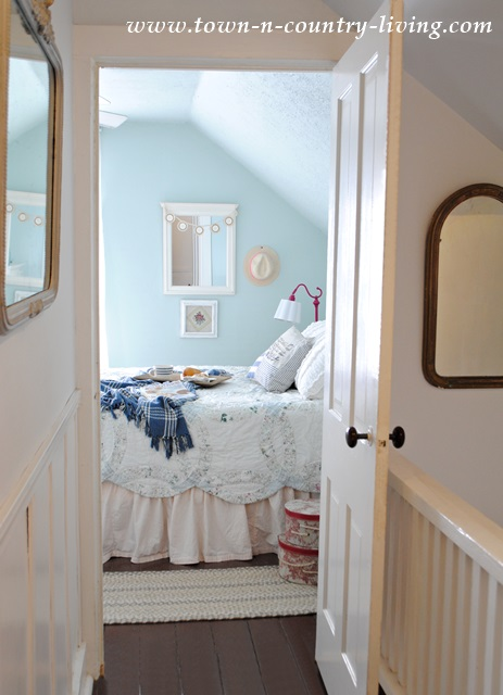Cottage Style Farmhouse Bedroom